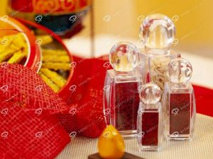 What are the features of saffron export packaging?