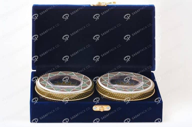 تعد صندوق زعفران المخملي واحدة من أفضل عبوات الزعفران الفاخرة.