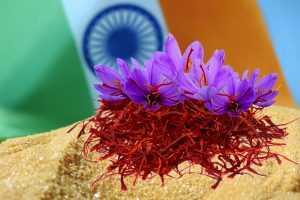 تغليف الزعفران في الهند